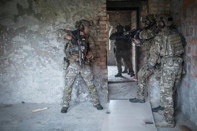 Komandosi szkolą się przed misją w Afganistanie