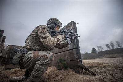 Żołnierze GROM-u na kursie działań specjalnych