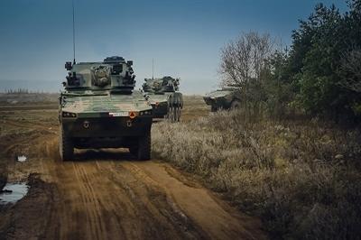 Artylerzyści, amunicja bojowa i Raki