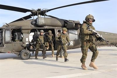 Kawalerzyści i Black Hawk