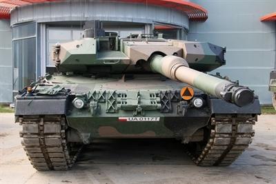 Pierwsze Leopardy 2PL rozpoczęły służbę