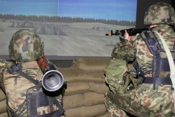 zdjęcie - Wojskowy sprzęt na festiwalu nauki