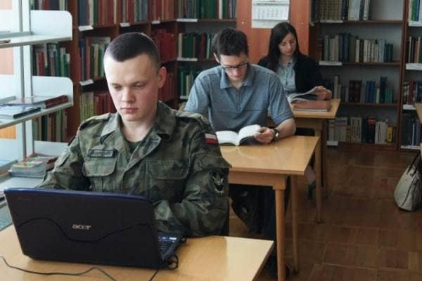 zdjęcie - Wojsko dopłaci do studiów żołnierzy