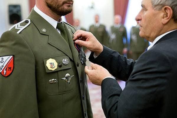 zdjęcie - Wyróżnieni żołnierze wojsk specjalnych