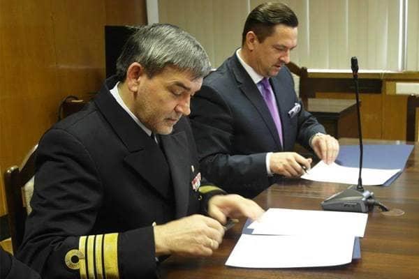 zdjęcie - Akademia Marynarki Wojennej z przemysłem
