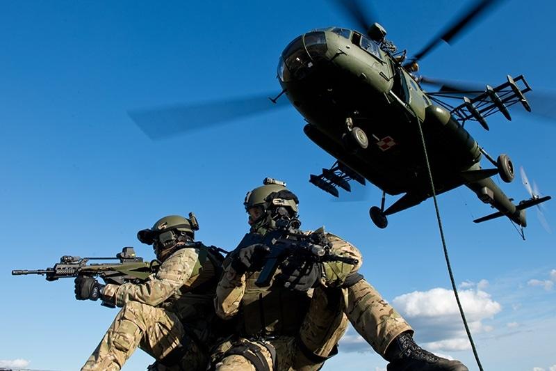 Cywilne maszyny na ćwiczenia komandosów