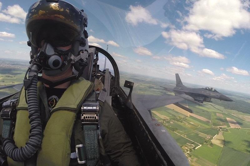 zdjęcie - Polskie F-16 poleciały na manewry ...