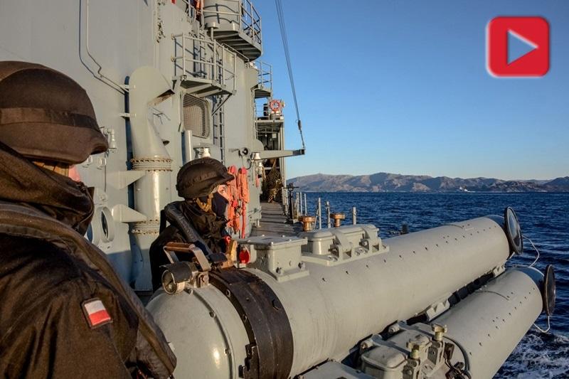 zdjęcie - Fregata wróciła z ćwiczeń w ...