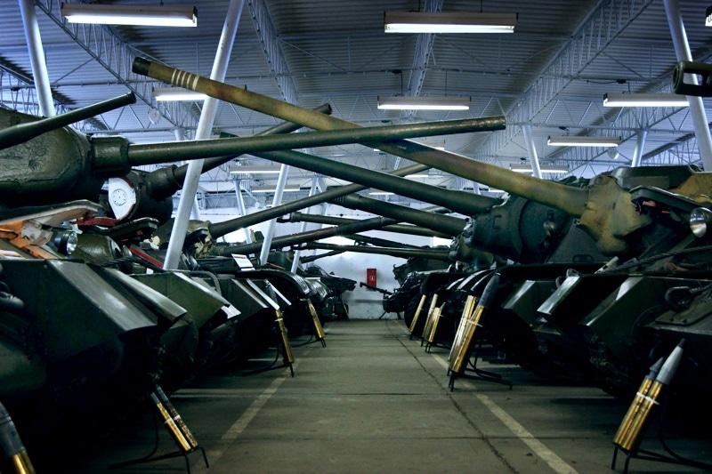 zdjęcie - Zabytkowe czołgi w nowym miejscu