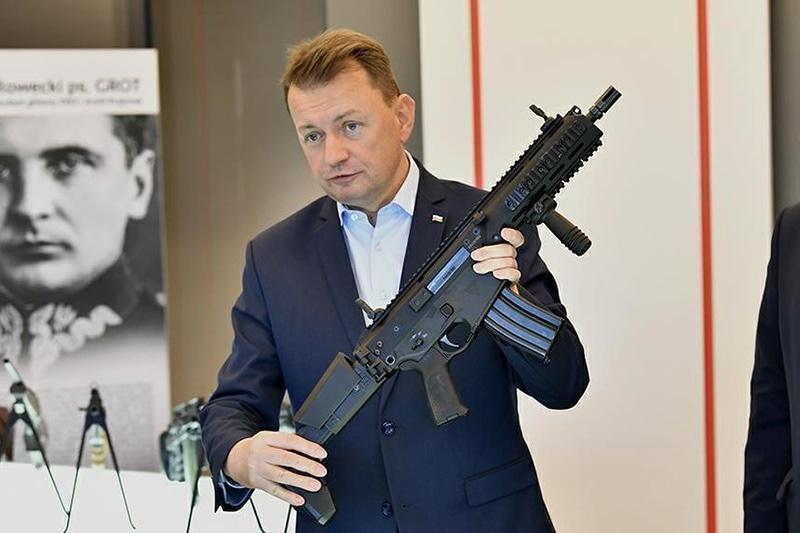 zdjęcie - Minister obrony z wizytą w ...