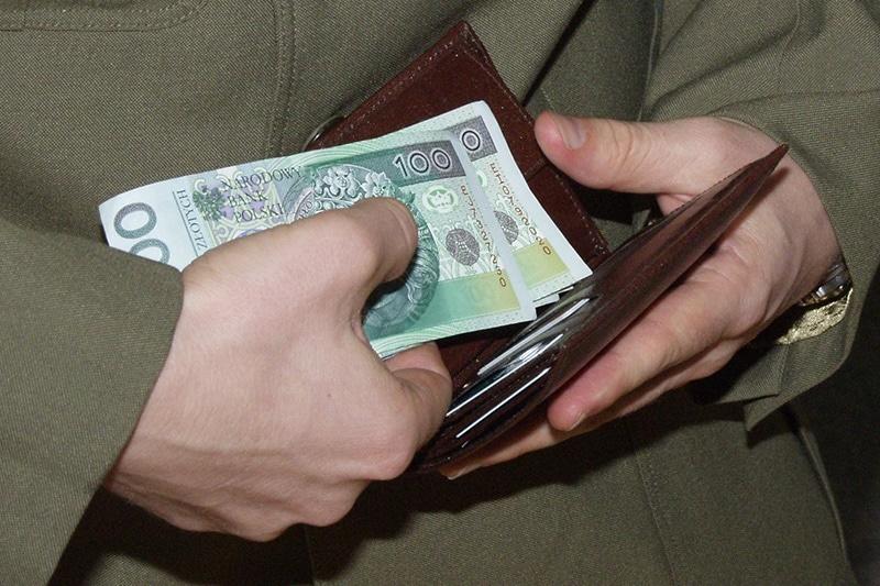 zdjęcie - Więcej pieniędzy na zapomogi