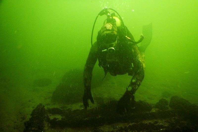 zdjęcie - Militaria z morskiego dna