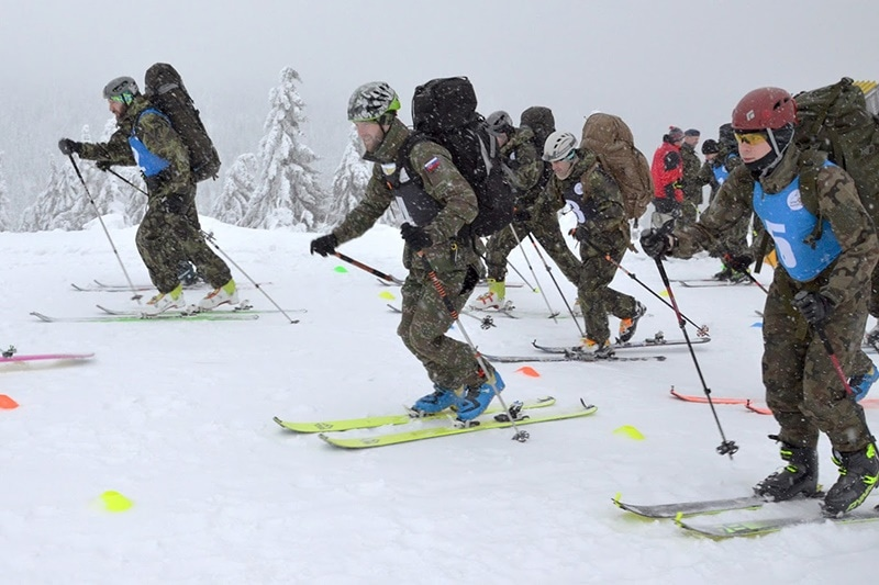 zdjęcie - Podchorążowie na zimowym survivalu